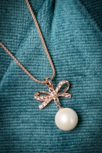 Glamfemme Golden Nacklace Pearl Necklace 301 91 20436 10312016 013