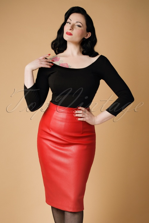 Collectif Clothing Naeemah Pencil Skirt in Red 18856 20160602 modelcw