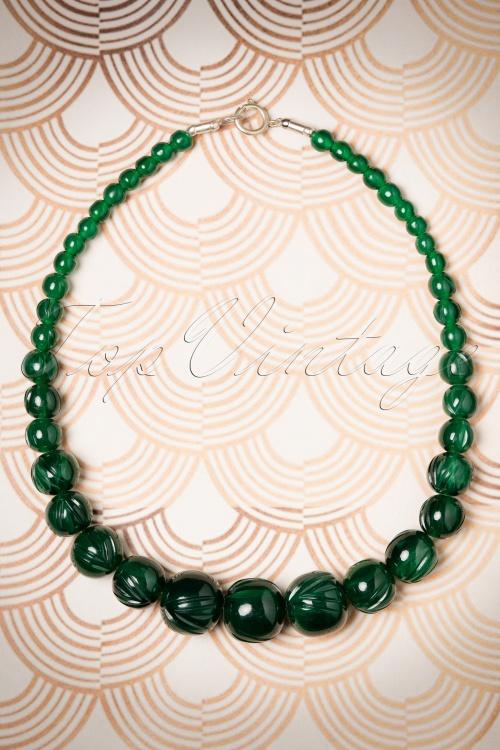 Splendette Deep Green Carved necklace 333 40 19923 11082016 002W