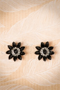 Lovely Audrey Jet Flower Earrings Années 50 en Noir
